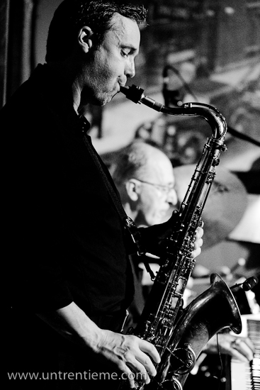 Mike Tremblay, au saxophone, et Jean-Pierre Alain, au piano, Sortie Jazz, Brasseurs du Temps, Gatineau, Mai 2010 (© Sébastien Lavallée, 2010)