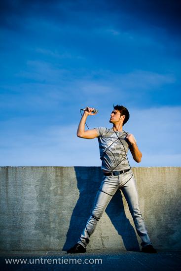 Alex Simpson-Tremblay, Chanteur/Danseur/Comédien, Vieux-Hull, Gatineau, Avril 2010 (© Sébastien Lavallée, 2010)