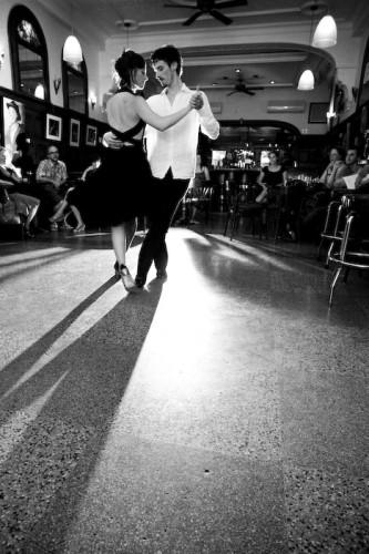 Xavier y Véronique, Quai des brumes, Montréal (© Sébastien Lavallée, 2009)