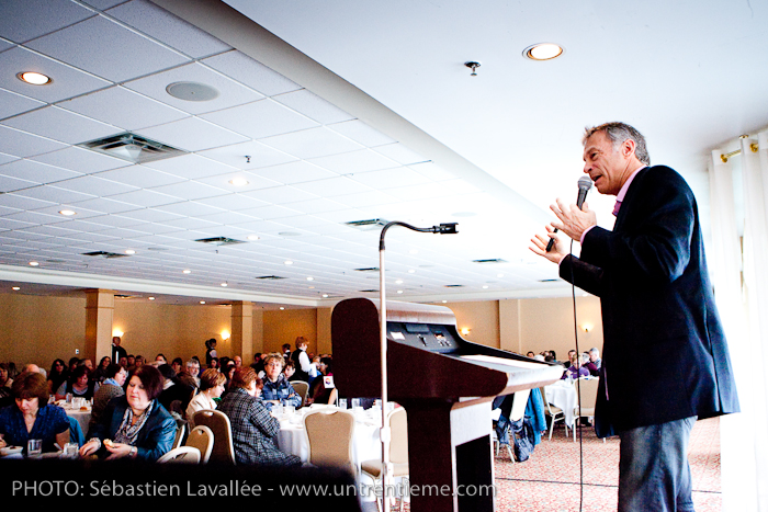 Pierre Côté, de l'émission Naufragés des villes, en conférence au Château Cartier au profit du CRIO (© Sébastien Lavallée, 2011)