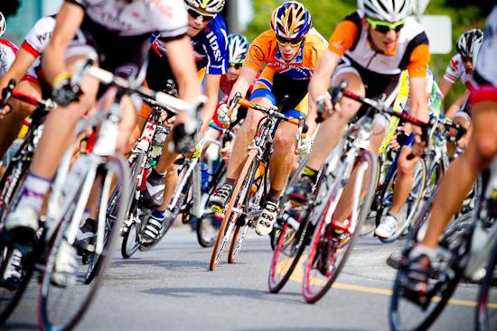 Dans le virage, Cyclisme sur route, Jeux du Québec 2010, Gatineau, Août 2010 (© Sébastien Lavallée - Infocale, 2010)