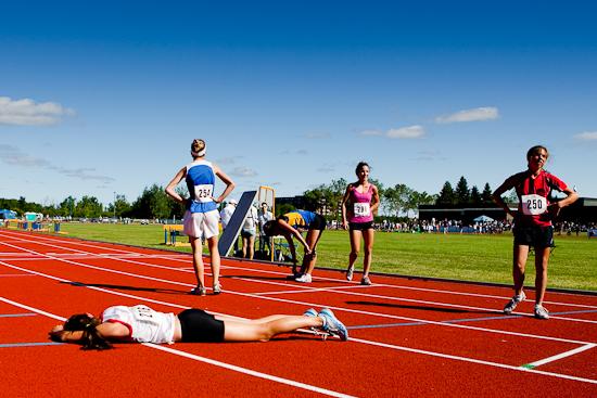 Après une vague du 3000 m JF, Jeux du Québec 2010, Gatineau, Juillet 2010 (© Sébastien Lavallée - Infocale, 2010)