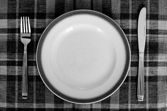 Assiette, couteau, fourchette (© Infocale, 2010)