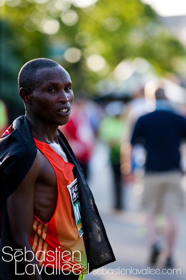 Geoffrey MUTAI, gagnant du 10 km au Marathon d'Ottawa 2012 (© Sébastien Lavallée)