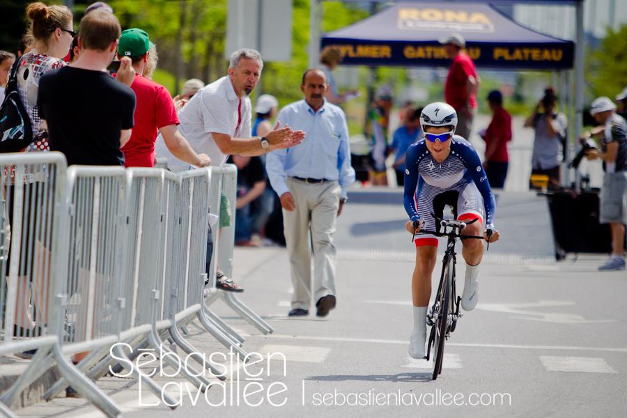 GATINEAU, 19 mai 2012. Evelyn Stevens dans les premiers mètres de la course. Grand Prix cycliste de Gatineau, 2012. Chrono. (© Sébastien Lavallée)