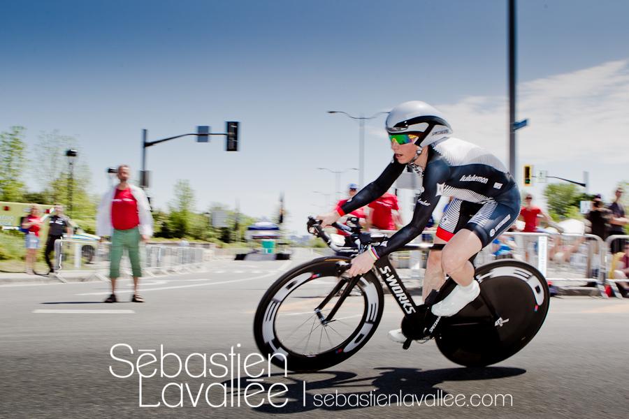 GATINEAU, 19 mai 2012. Amber Neben après son premier de deux tours de piste. Grand Prix cycliste de Gatineau, 2012. Chrono. (© Sébastien Lavallée)
