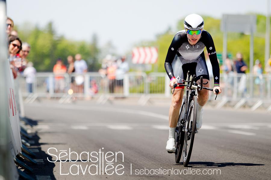 GATINEAU, 19 mai 2012. Amber Neben à quelques mètres de l'arrivée. Grand Prix cycliste de Gatineau, 2012. Chrono. (© Sébastien Lavallée)