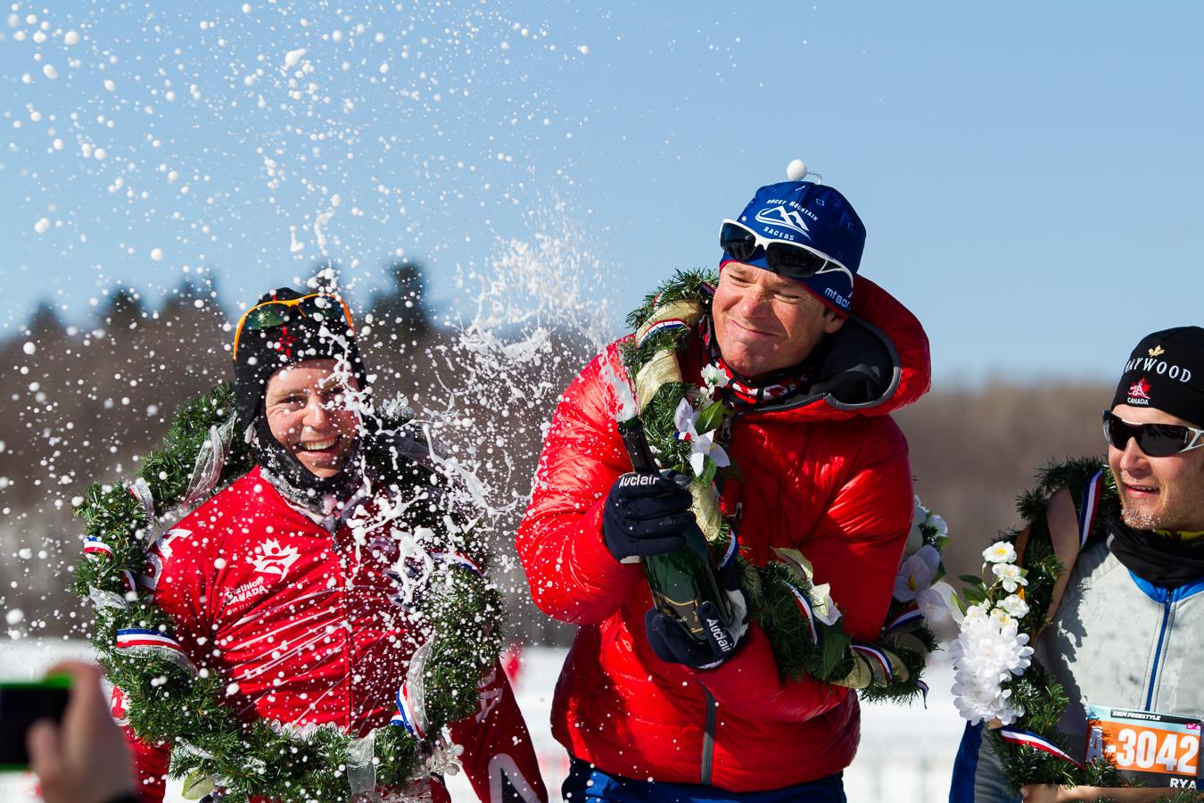 Les gagnants du 51km Patin, Ian Murray, Jonathan Tremblay et Ryan Atkins, célèbrent leur victoire. Gatineau Loppet 2013, Gatineau (© Sébastien Lavallée)