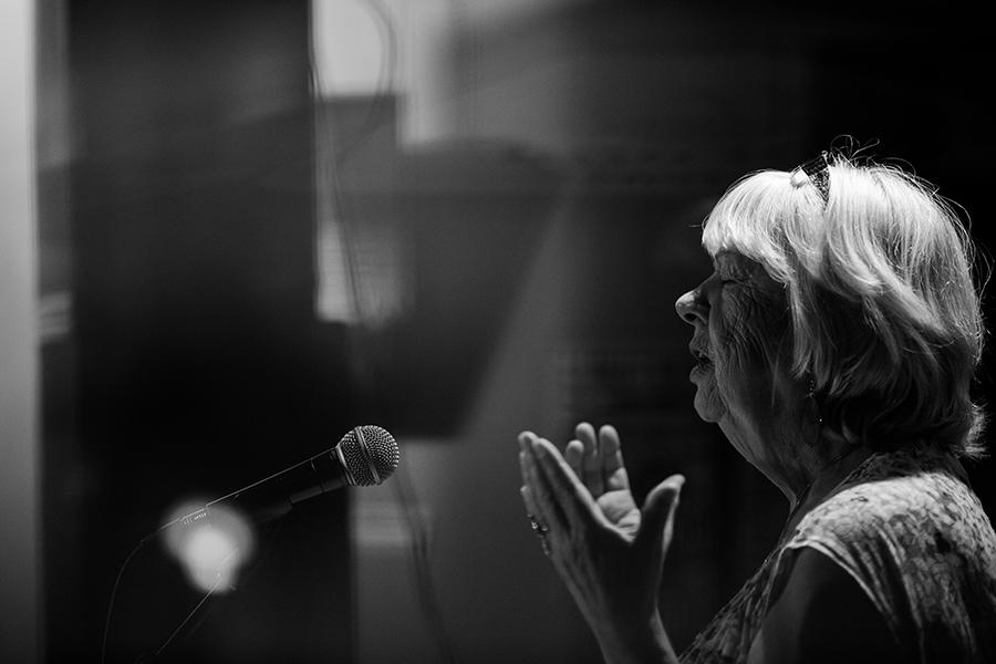 Diane Tremblay à la finale de Slam Outaouais. Photographe d'événement. Gatineau, Ottawa, Montréal. © Sébastien Lavallée