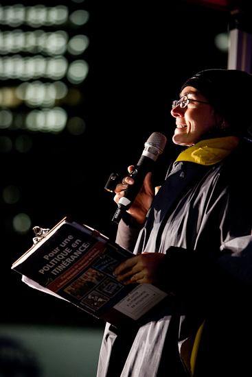 Jenny Villeneuve, Coordonnatrice du Collectif régional de lutte à l'itinérance en Outaouais (CRIO), Nuit des sans-abri au parc Sainte-Bernadette, Gatineau (Hull) (© Sébastien Lavallée, 2010)